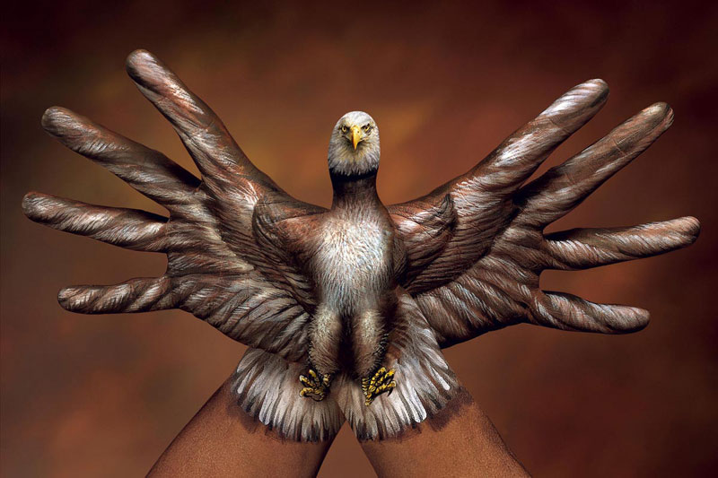 Animal-Hand-Paintings-by-Guido-Daniele-Eagle-Spread